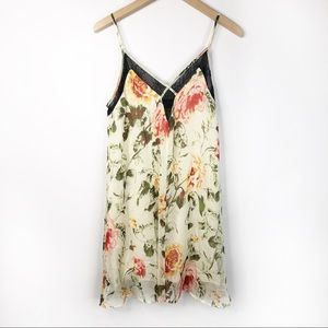 4SI3NNA V Neck Floral Swing Dress